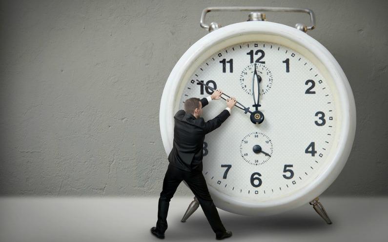 ہم گزرے ہوئے وقت کو کبھی واپس نہیں لاسکتے۔