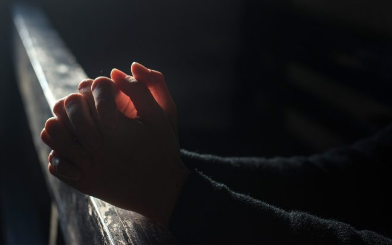 کلیسیا یسوع مسیح برائے مقدسین آخری ایام  کے اراکین دعا کیسے کرتے ہیں؟